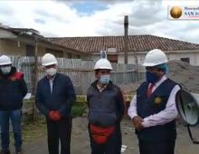 INSPECCIONANDO TRABAJOS EN EL TEMPLO DE SAN SEBASTIÁN