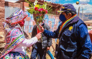 ENTREGA DE VISACIÓN DE PLANOS EN LA APV. REALES DEL BOSQUE